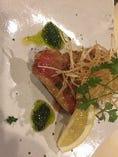 金目鯛のポワレ 香草ソース。魚料理にもこだわっています。
