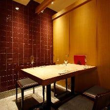 高級感あふれる上質な空間の個室