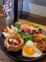 洋食Cafe BON MOMENT(ボンモマン)