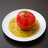 丸ごとトマトのサラダ仕立て