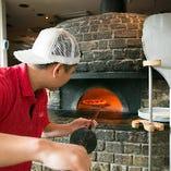 サルヴァトーレのピッツァはピッツァイオーロ(ピッツァ職人)をなくして語ることは出来ません。