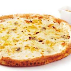 4種のチーズのピッツァ ~ ハチミツ付 ~