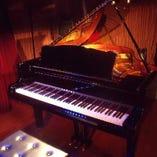 グランドピアノを使用した演奏会や発表会など随時募集中!
