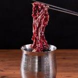 【特選牛】厳選食材を使用した逸品焼肉をご堪能ください。