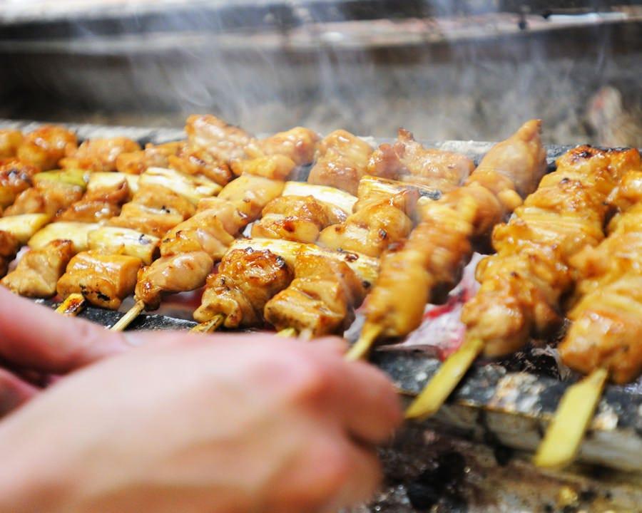 歴史と伝統の国産炭火焼鳥と和食