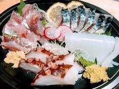 地魚刺身盛り合せ