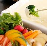 厳選食材を鉄板チーズフォンデュで堪能ください!