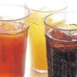 コカ・コーラ、オレンジジュースなど豊富にソフトドリンクをご用意しております。