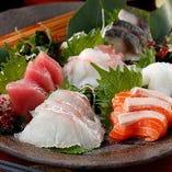 【お刺身5点盛り】毎日市場から直送の新鮮な鮮魚。