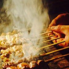 備長炭で焼き上げる絶品串焼き
