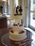 ウェディングパーティーには豪華なケーキもご用意できます♪