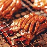 【牛角名物】まるでステーキ!? 王様ハラミ(味噌にんにく・塩バター)