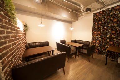 THE BAR 新大阪 店内の画像