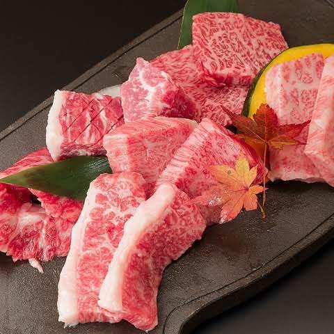 こだわりを持ったお肉!盛り付けにもこだわりあり!!