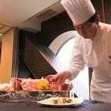 素材を活かした新しい広東料理をご提供いたします。