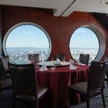 5名様~60名様まで利用可能な「円卓個室」。厳選された素材を使用した本格広東料理をお楽しみください。
