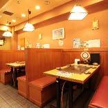 【テーブル席】ご友人との少人数宴会に最適なボックス型ソファ席(3〜4名様)