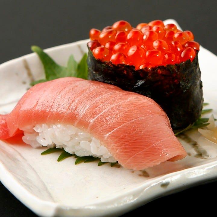 職人が握る45種の寿司が食べ放題!