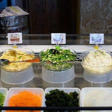 新鮮野菜ビュッフェあり!