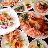 高級食材を独創的に組み合わせた料理の数々