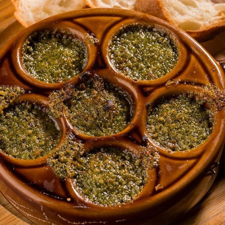 フランス産エスカルゴの香草バター焼