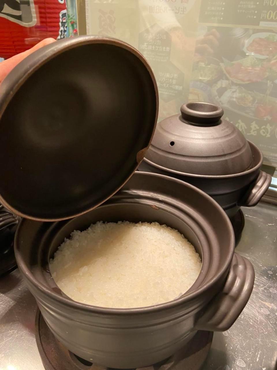 炊き立て土鍋ご飯のおかわり出来ます!つやつやご飯♪