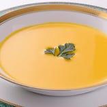 季節野菜のポタージュスープ