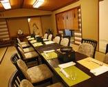 お座敷で椅子、テーブルもご利用できます。