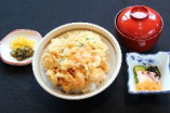 かき揚丼(小鉢・みそ汁・香物付)