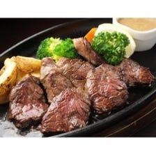 シェフこだわりの肉料理。