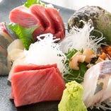 ファンも多数!鮮度と質にこだわり仕入れる産直鮮魚のお刺身!