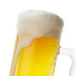 アサヒ生、タイのビール、ワイン、カクテルなどドリンクも豊富!