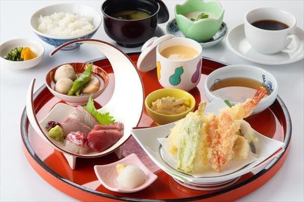 近海鮮魚や旬の素材を使った創作和食