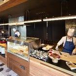 ライブキッチンでは地元食材を使った出来たてのお料理をご提供いたします