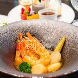 海老と帆立貝のサフラン風味ブイヤベース