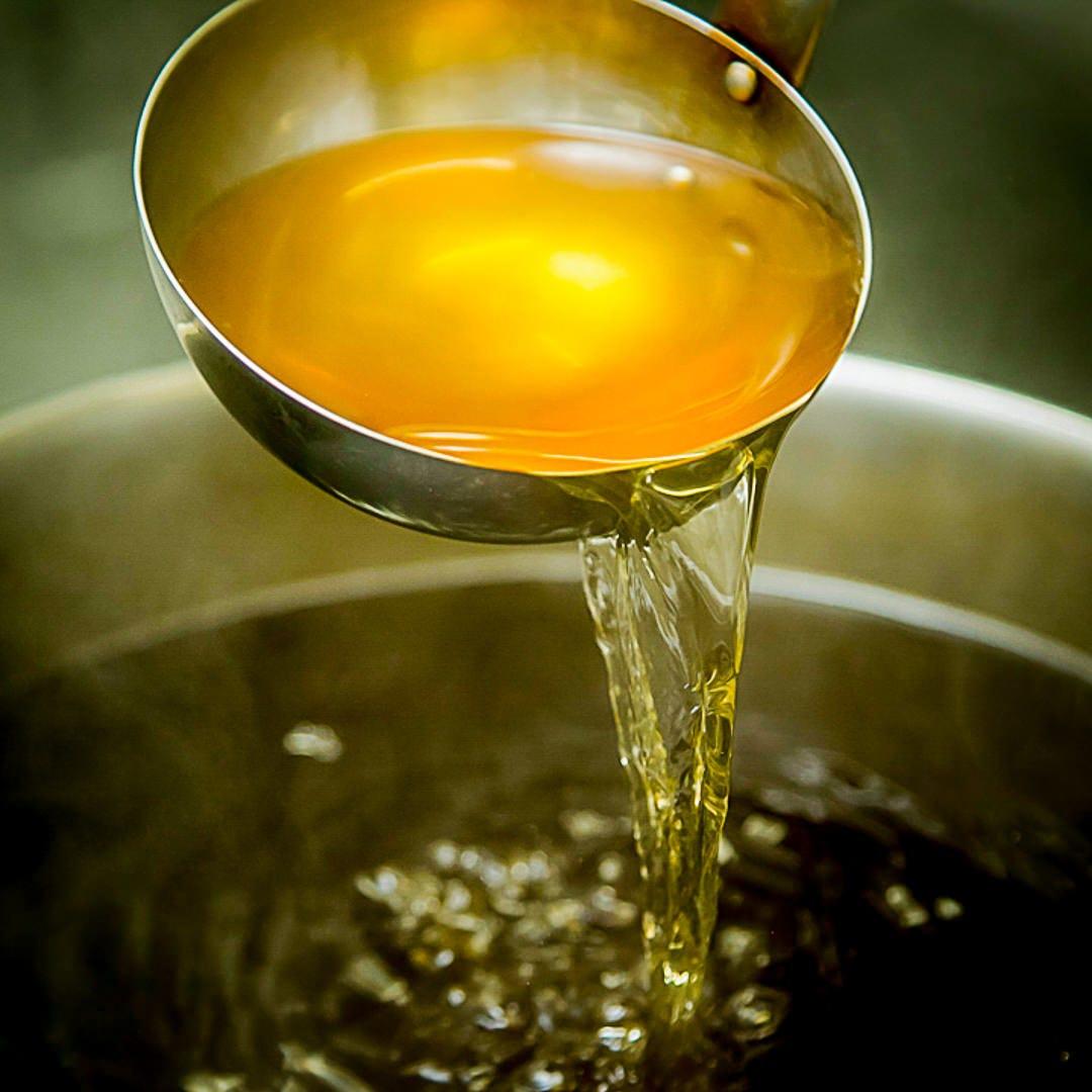 毎朝仕込む自家製だしが、香り高い味わいを作り出します