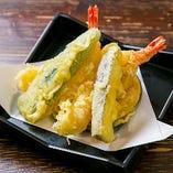サクッと揚げる職人技「天ぷら」