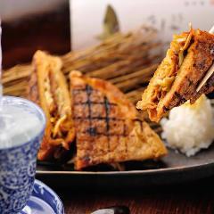 【大人気】定義山三角揚げ葱みそ牛タン挟み焼き