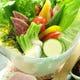 地物有機野菜盛り、3種の味噌ディップでお楽しみください。