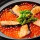 当店名物はらこ飯土鍋炊き。炊き立て熱々でお召し上がりください