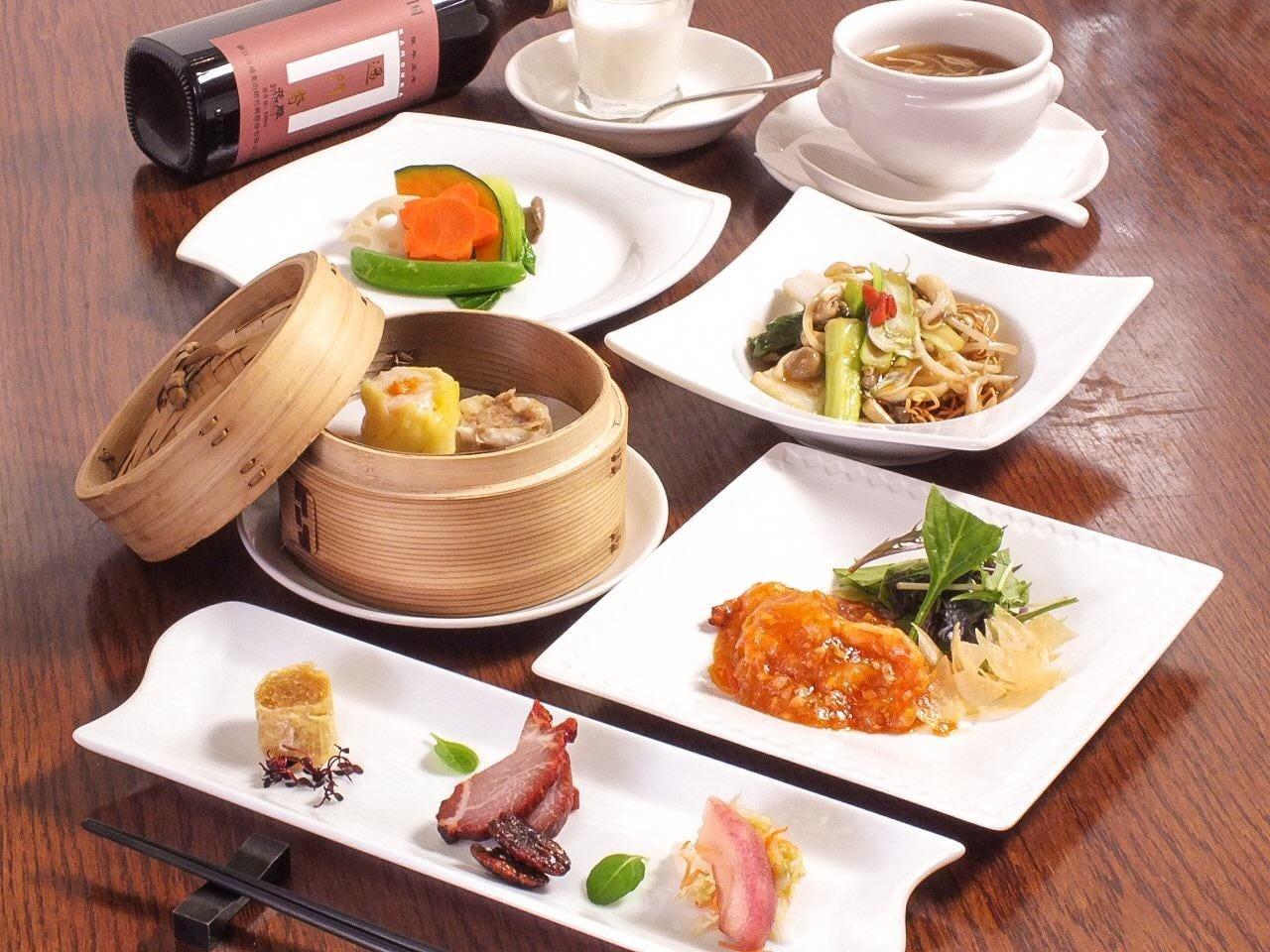 【中国大陸コース】 フカヒレスープ、蒸し点心、大海老料理など全7品 5000円
