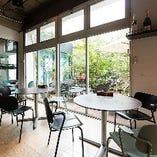 【2階】テーブル席