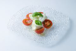 水牛モッツァレラとトマトのカプレーゼ