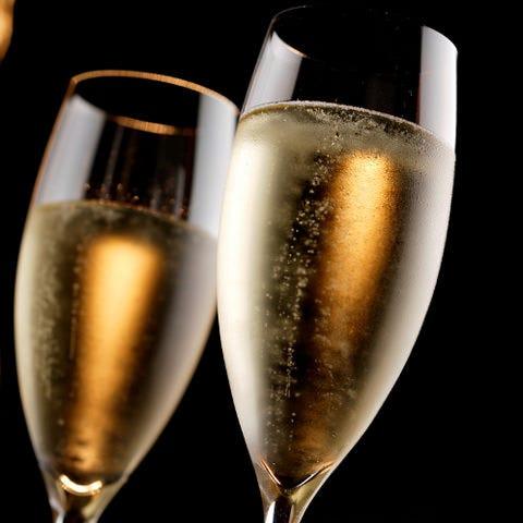 【誕生日&記念日】お料理7品+『 スパークリングワイン』込み 2.5H飲み放題 7,000円