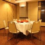 《3階 小~中規模向けテーブル個室》2名様から個室をご用意。宴会やご家族のお食事に