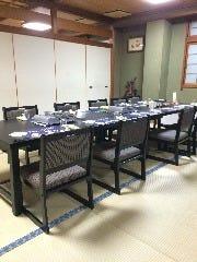 和室のテーブル席の個室