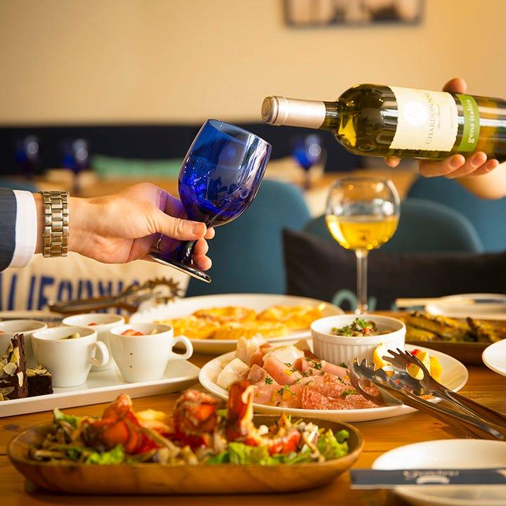 神戸三宮で人気のカフェレストランで大人の宴会