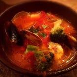 魚介と野菜のトマト煮