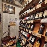 ワインセラーには100種類のワインを常備