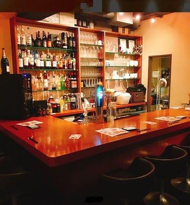 手延べ餃子Bar Wing Village  店内の画像